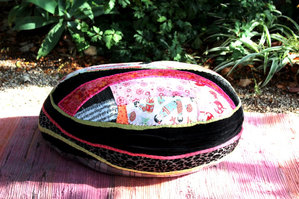 Pouf from recycled fabric