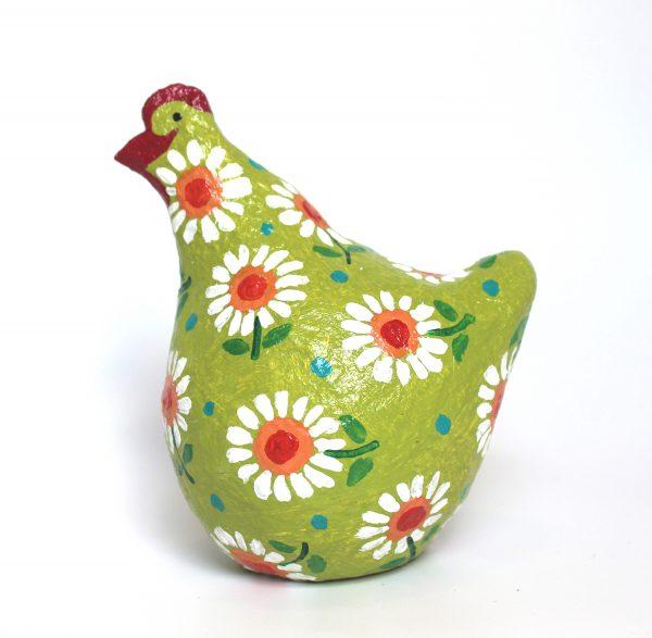 תרנגולת ירוקה עם מרגניות לבנות